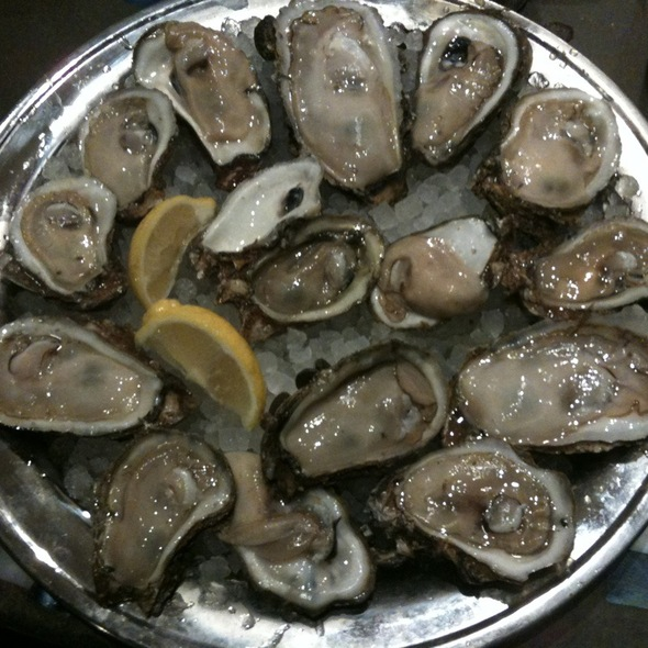 Apalachicola Bay Oysters @ Fish Market Restaurant