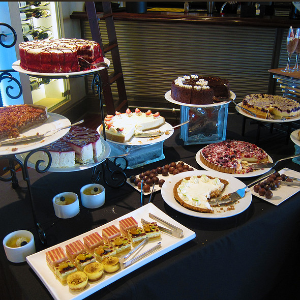 Cakes And Pies - Aqua Star at The Westin Savannah Golf Resort & Spa, Savannah, GA