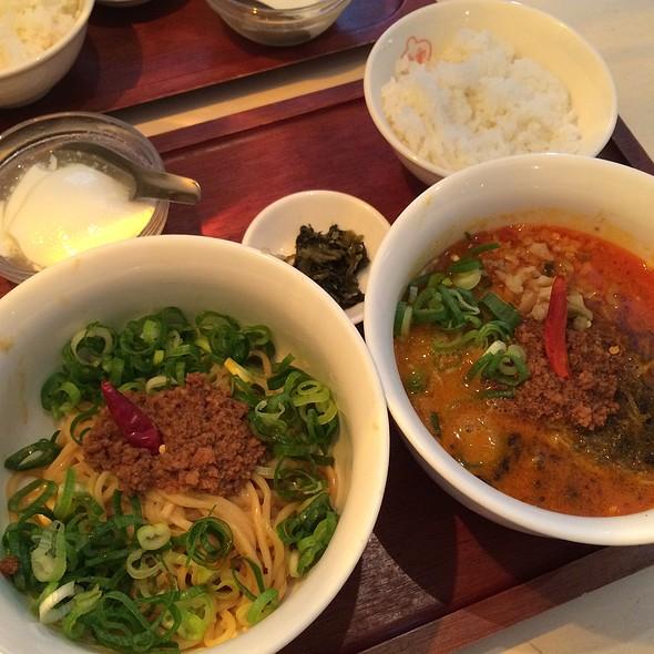 Dan Dan Noodles @ 香家 中目黒店 (Koya)