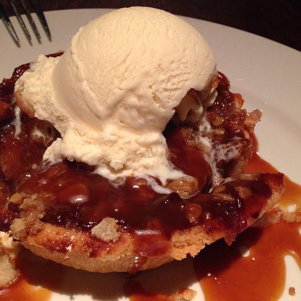 Apple Pie - Twin City Grill, Bloomington, MN