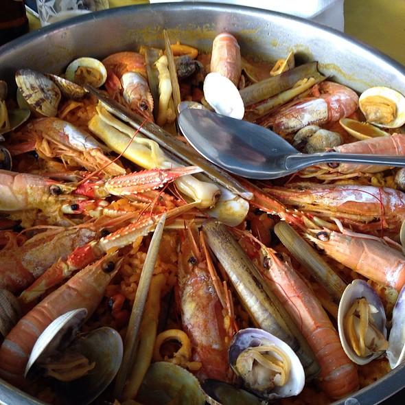 Paella De Mariscos @ Restaurante Alara