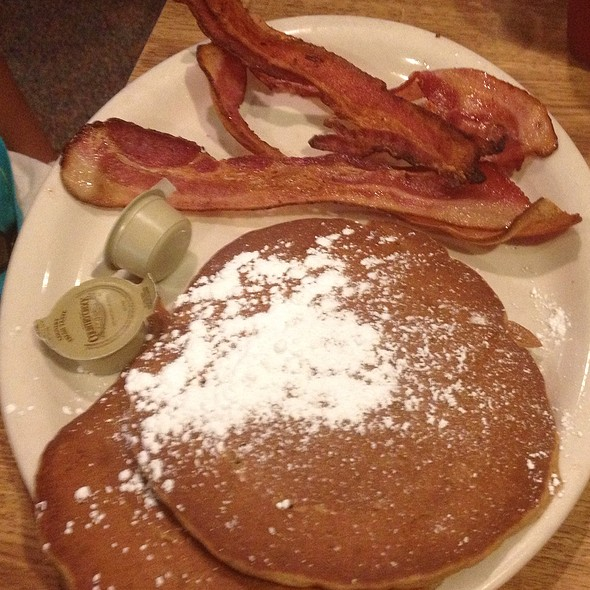 Gingerbread Pancakes @ Poor Richard's Cafe