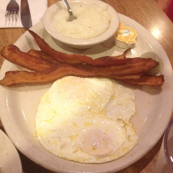 Plain'o Eggs @ Poor Richard's Cafe