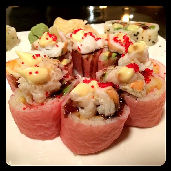 Cupid's Arrow Roll @ Sushi Train