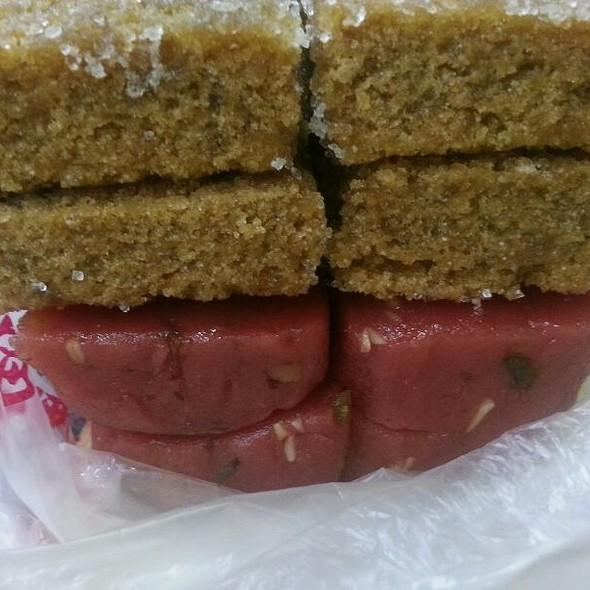Suzhou cakes