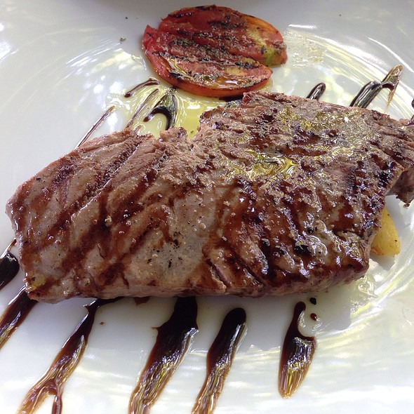 Grilled Tuna Steak With Balsamic Vinegar Syrup