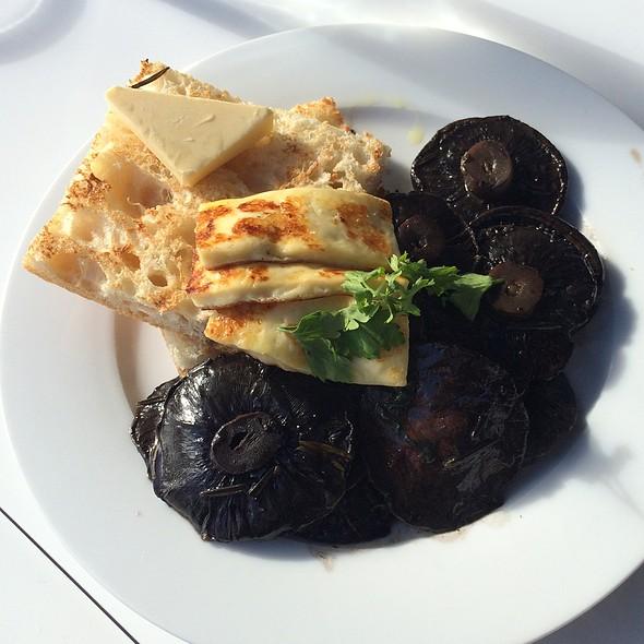 mushrooms @ Benediction Cafe