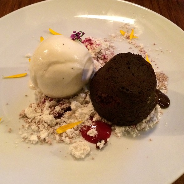 Chocolate Velvet Pudding @ Tom Tom Bar & Eatery