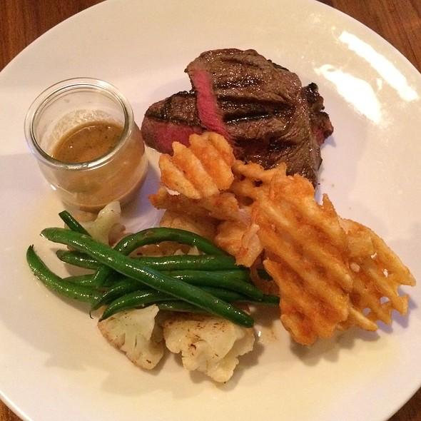 Steak @ Tom Tom Bar & Eatery
