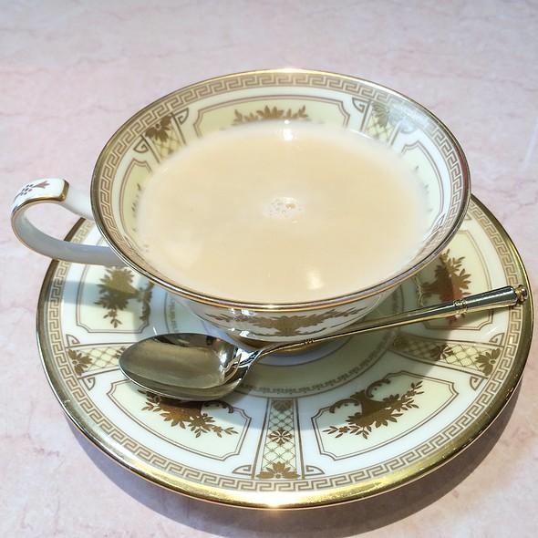 royal milk tea @ 茶房CoCo