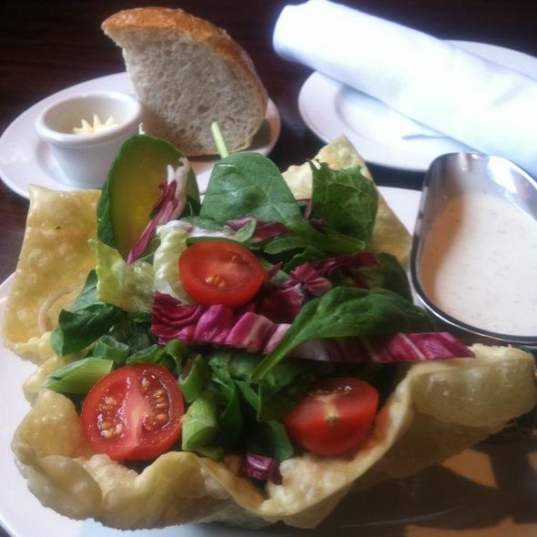 garden salad @ Mc Cormick & Schmick's Seafood