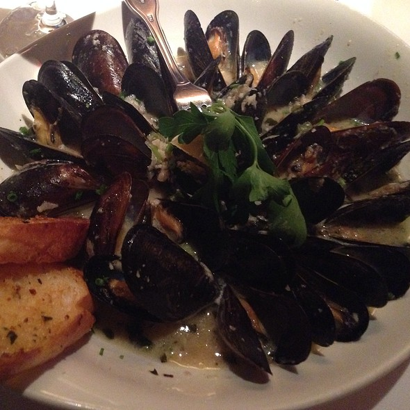 Steamed Mussels - Chart House Restaurant - Savannah, Savannah, GA