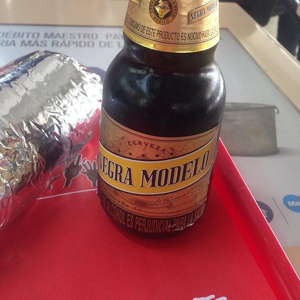 Cerveza Negra Modelo @ Sipote Parque 93