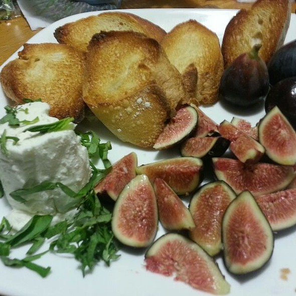 Figs And Goat Cheese With Basil