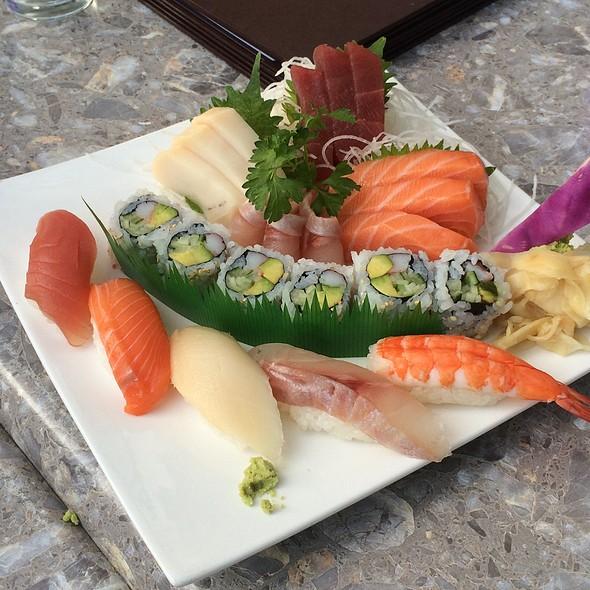Sushi Rolls & Nigiri