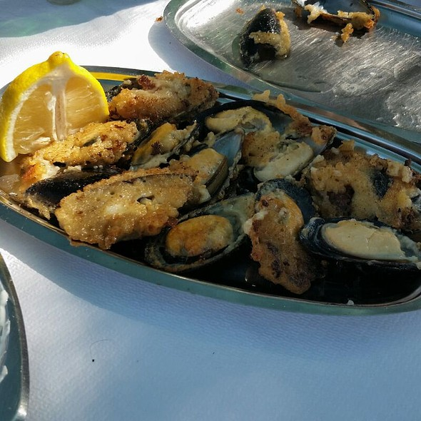 fried mussels @ Chios