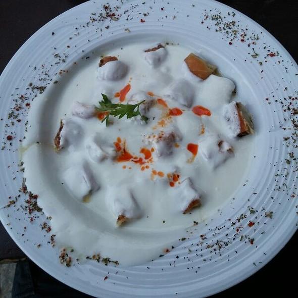 Mantı (Meat pasty) @ Eski Kahve
