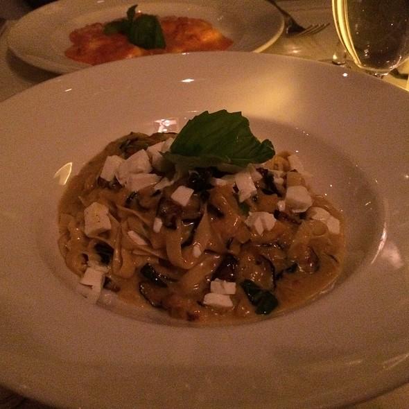 Fettuccini - La Masseria, New York, NY