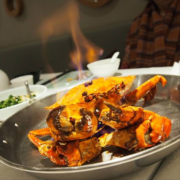 "Bay's Signature ""Kopi"" Sauce Crab @ Majestic Bay Seafood Restaurant"