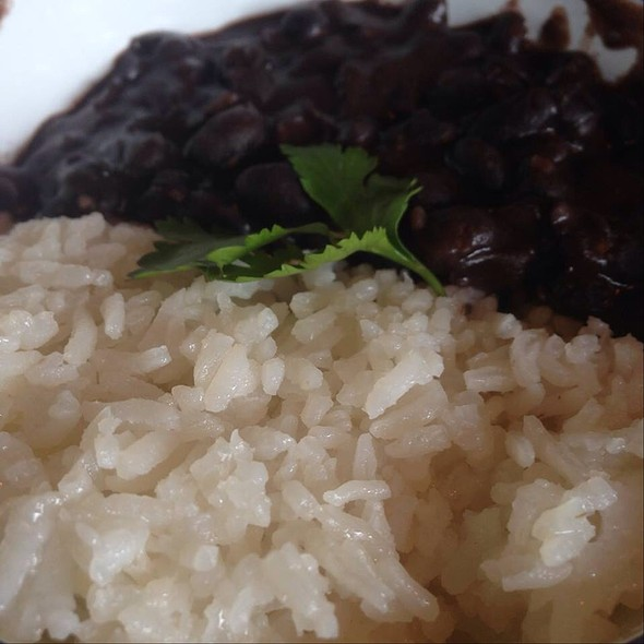 Domino (Black Beans And Rice)