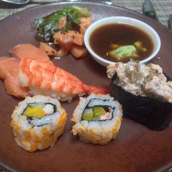 California Maki, Sushi, Salmon Sashimi, Salmon Sashimi Salad