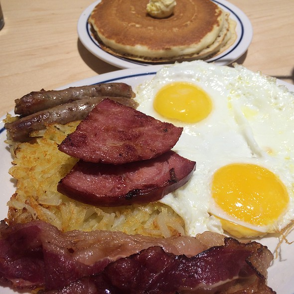 Breakfast Sampler Platter @ Ihop Bahrain City Center