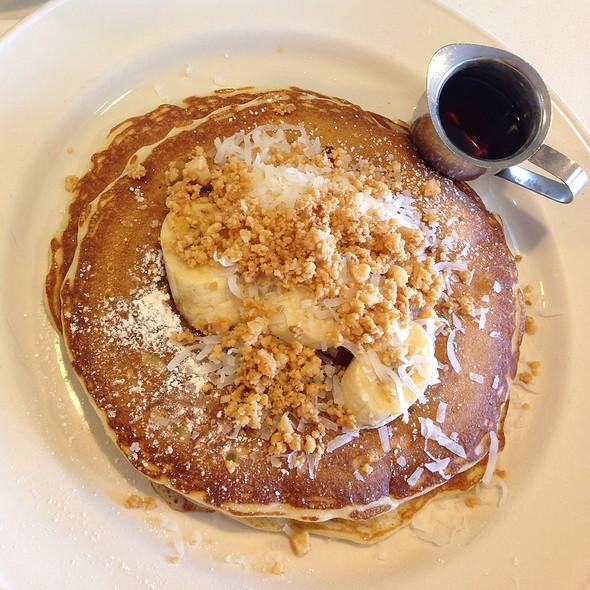 Banana Bliss Pancakes @ Bea Bea's