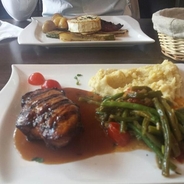 Steak @ Laguna