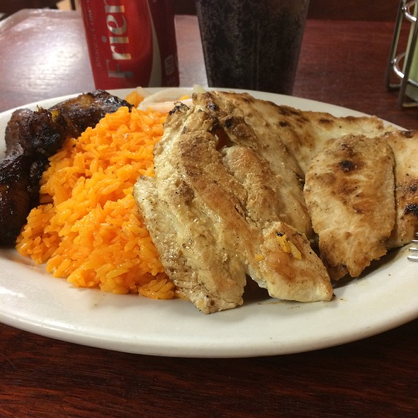Grilled Chicken Breast With Rice And Sweet Plantains