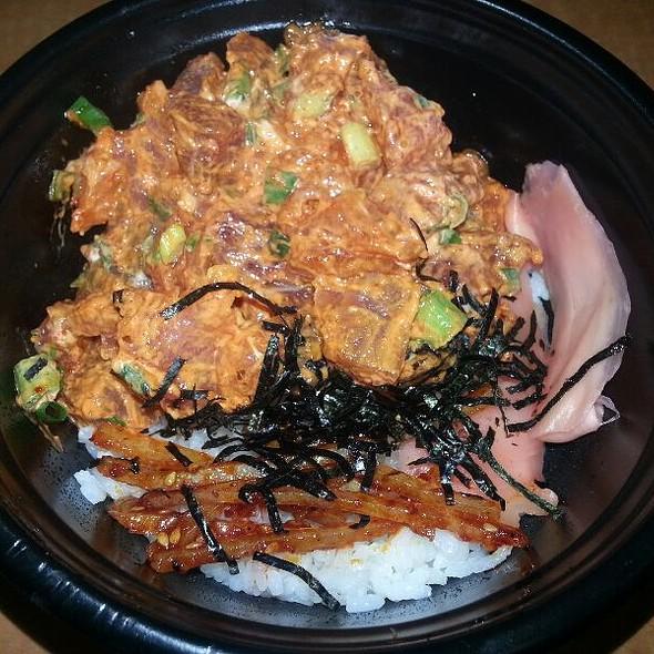 Spicy Ahi Poke Bowl @ Tamashiro Market