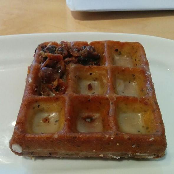 Pepper Bacon Wonut @ Waffles Cafe