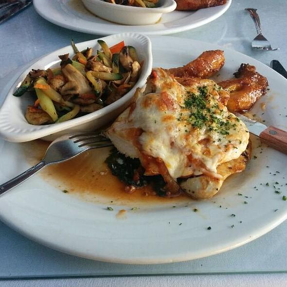 Pollo Serape @ Mercede's Grill