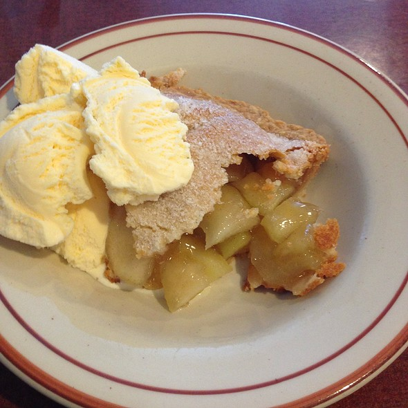 Apple Pie @ Mama Kat's Restaurant