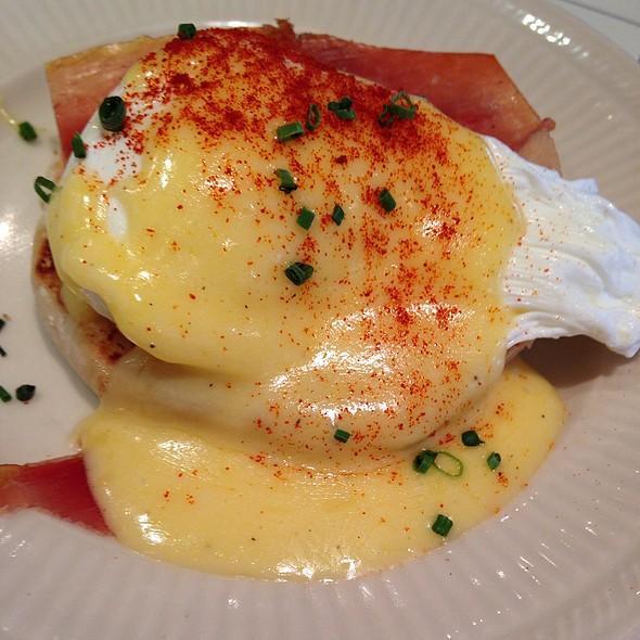 Huevos Benedictinos Tapa - Boqueria - DC, Washington, DC