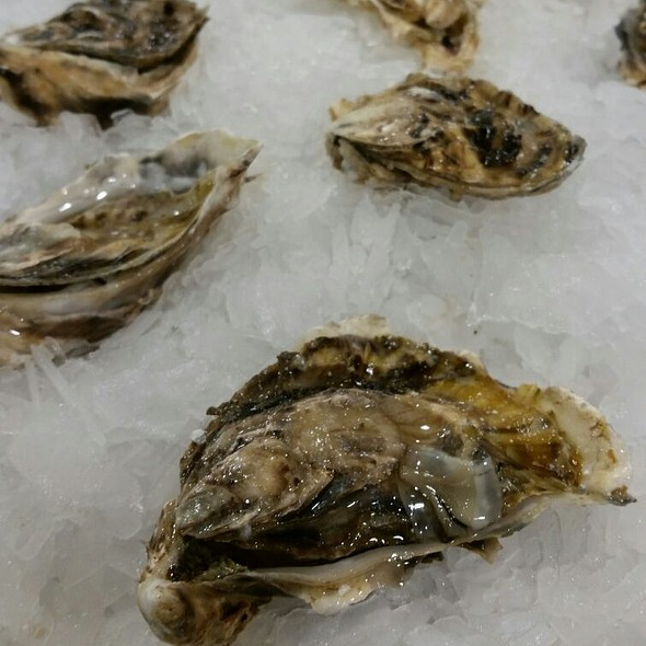 Oysters @ Whole Foods Market - Cupertino