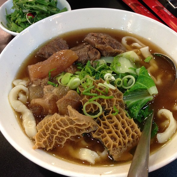 Beef Noodles With Beef Intestines @ 黄師傅牛肉面