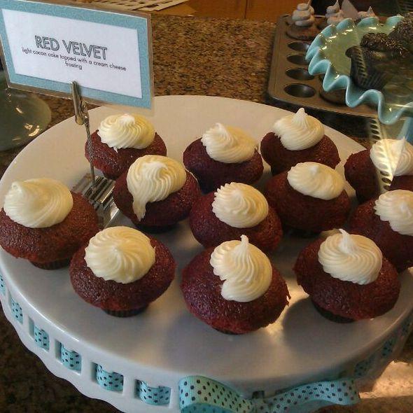 Red Velvet Cupcakes @ Sweetness Bake Shop & Cafe