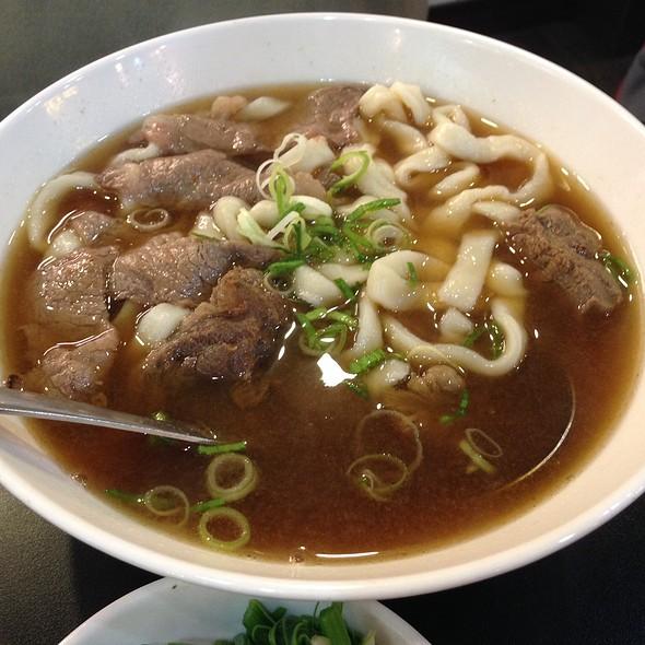 Beef Noodles @ 黄師傅牛肉面
