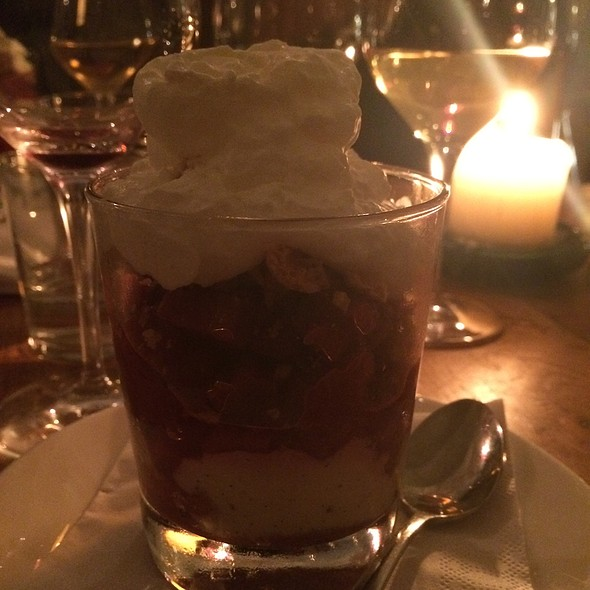 Rhubarb Trifle @ Bar' Vin