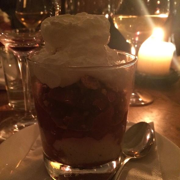 Rhubarb Trifle @ Bar' Vin