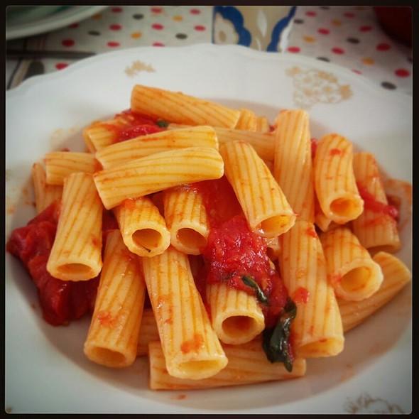 Tortiglioni Al Pomodoro Fresco @ 87050 Trenta Cosenza