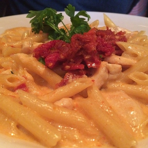 Penne with Chicken and Sundried Tomatoes at The Cheesecake Factory