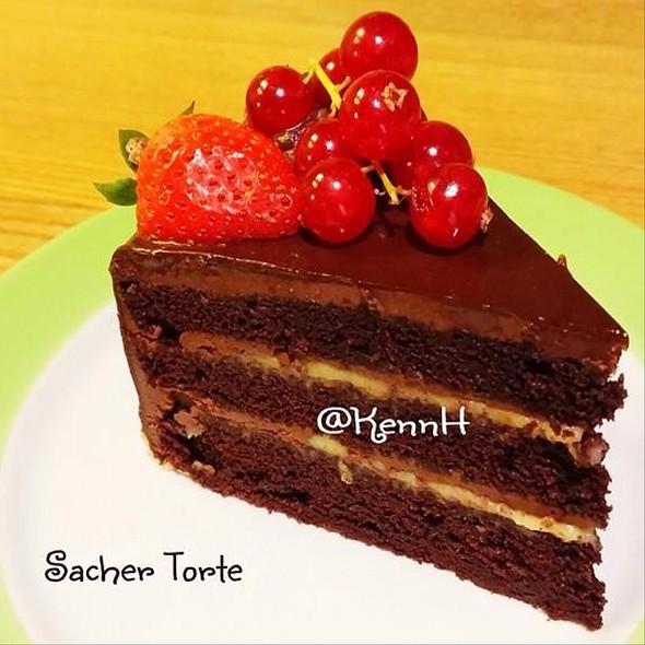 Cake : Sacher Torte
