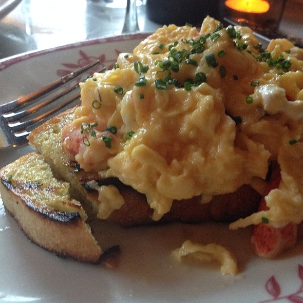 Bruschetta With Lobster And Soft Eggs