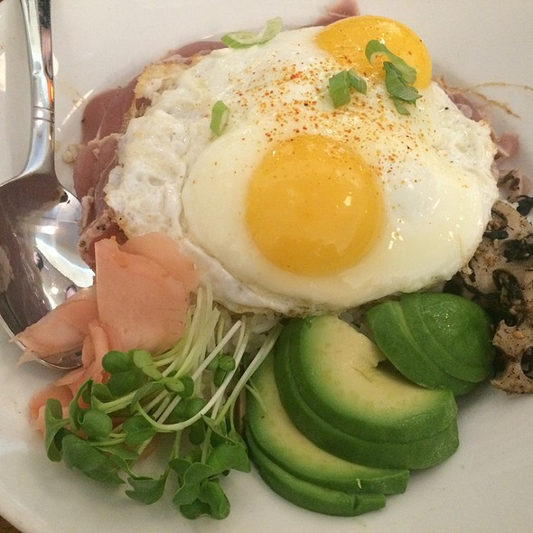 Tuna Don Amd Poached Eggs @ B*Star