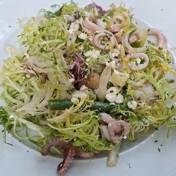 Sautéed baby squid frisée salad, haricot verts, crimini mushrooms, feta