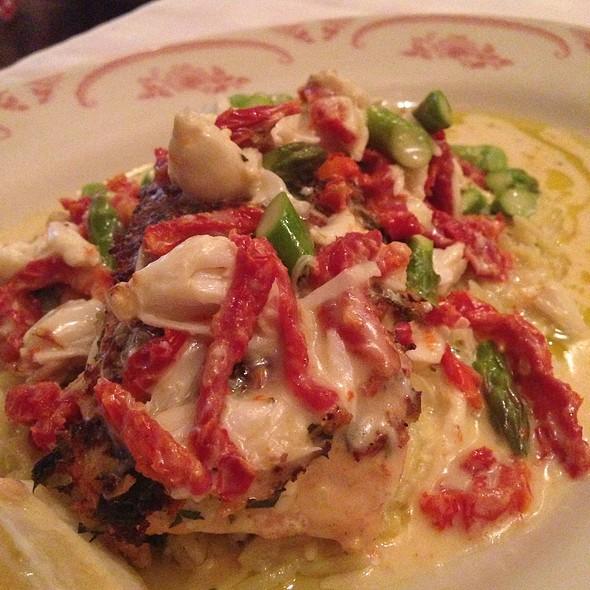 Salmon Oscar - Maggiano's - Austin, Austin, TX