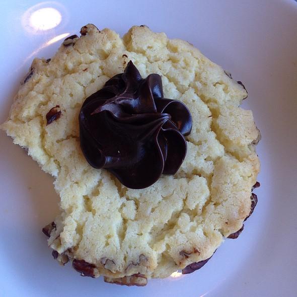 Pecan Sandies @ The Buttery