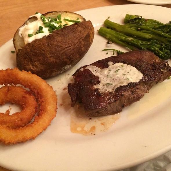 Flatiron Steak @ Elmer's Breakfast-Lunch-Dinner