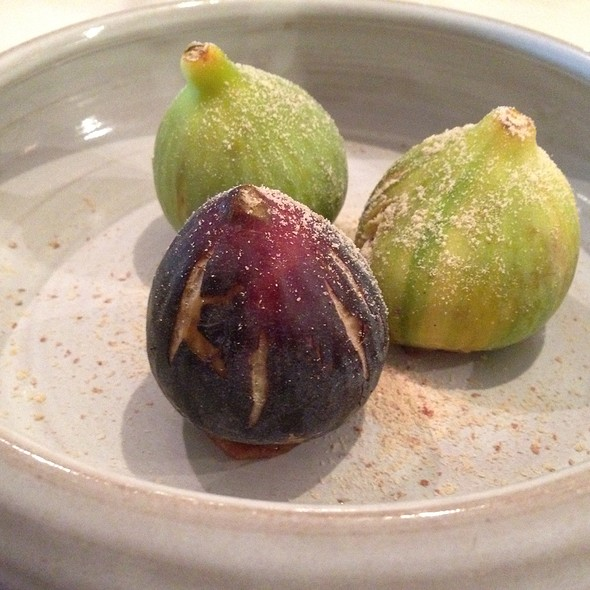figs stuffed with walnuts